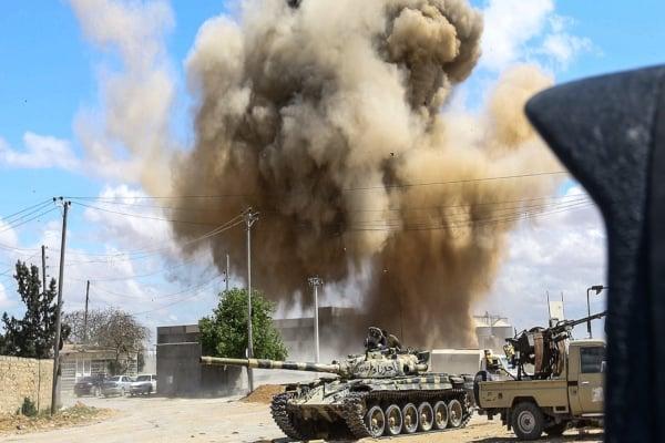 El avión militar iba a lanzar ataques contra civiles en la capital, informó una fuente. Foto: Archivo | AFP