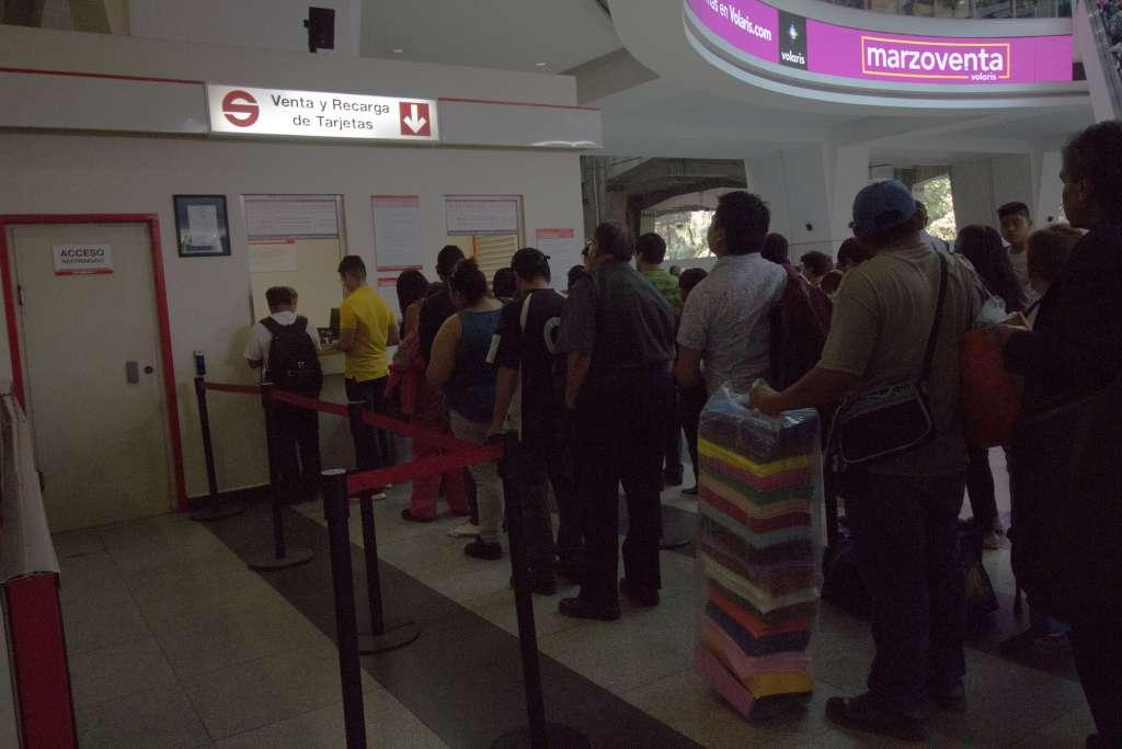 La estación Cuautitlán, incluida la taquilla, opera con normalidad, informó el Suburbano. Foto: Cuartoscuro