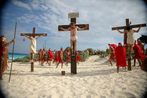 La escenificación de la Pasión de Cristo que tendría lugar el día de hoy, será pospuesta para mañana a la misma hora Foto: Cuartoscuro