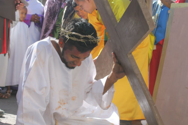José Nelson Fuentes Caballero, de 25 años, originario de Santa Rosa de Copán, Honduras, fue quien personificó a Jesús. Foto: Juan José Delgado Alemán