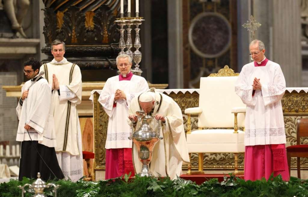 El Papa Francisco acudirá la tarde de este Jueves Santo al penal de Velletri; ahí lavará los pies a los reclusos. Foto: Pablo Esparza