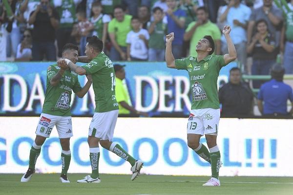 Ángel Mena está muy cerca de ser el campeón de goleo del torneo. FOTO: MEXSPORTS
