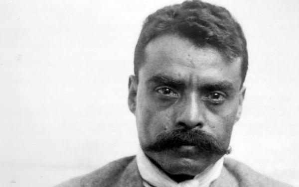 Por ello, los homenajes voluntarios a Emiliano Zapata son numerosos y es uno de los personajes más populares a venerar, ya que es el segundo nombre más utilizado para denominar calles, únicamente precedido por Miguel Hidalgo. FOTO: ESPECIAL