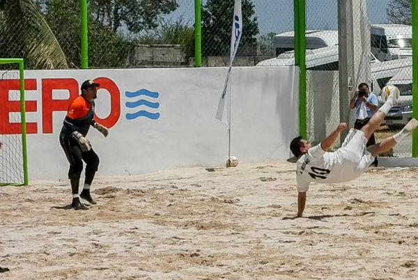 ¿Qué les parecería un reta Campeche contra Morelos?se planteó durante el partido Foto: Especial