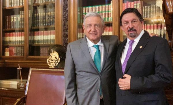 Andrés Manuel López Obrador y Napoleón Gómez Urrutia. Foto: Especial