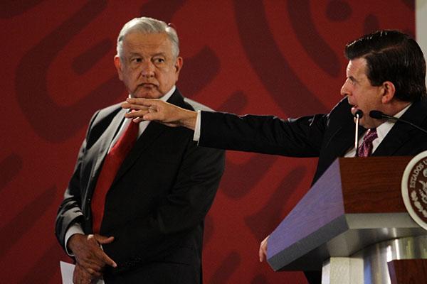 López Obrador dijo que su administración debe de cuidar con mucho cuidado la entrega de contrato para evitar que se presenten problemas que se presentaban en administraciones pasadas FOTO: NOTIMEX