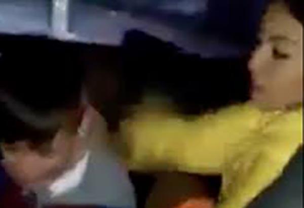 El video fue captado cuando los dos viajaban en un automóvil y hasta el momento la joven no ha hablado sobre el tema.