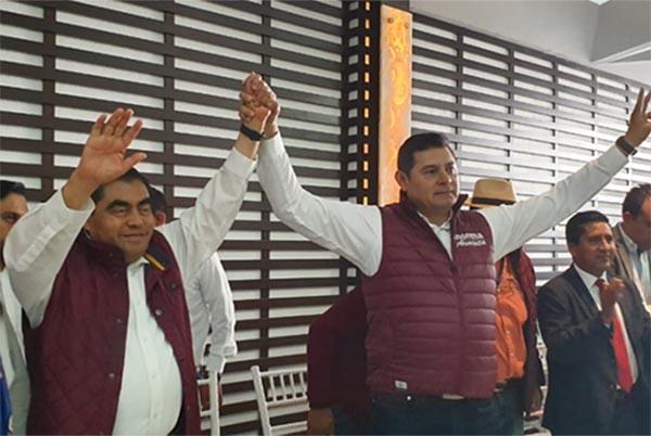 El candidato por Morena a la gubernatura de Puebla, Miguel Barbosa, y el aspirante al mismo cargo, Alejandro Armenta, anunciaron un acuerdo unitario de participación comunitaria en la campaña que se realiza.