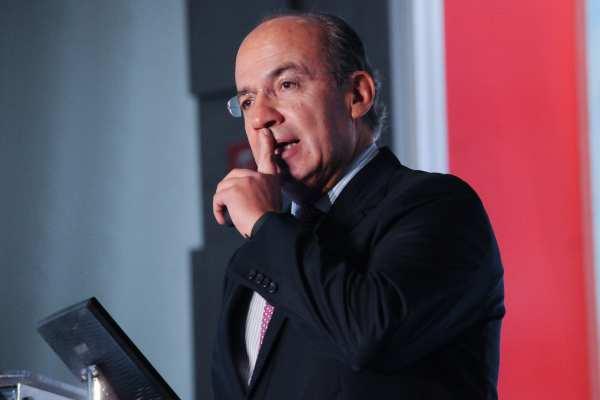 Calderón lamentó la muerte de Vega Gil. Foto: Archivo | Cuartoscuro