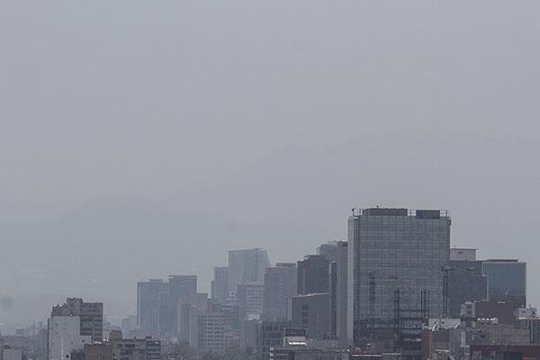 El Valle de México amanece este domingo con mala calidad de aire al registrar 109 puntos de partículas suspendidas en la alcaldía de Tláhuac. FOTO: NOTIMEX