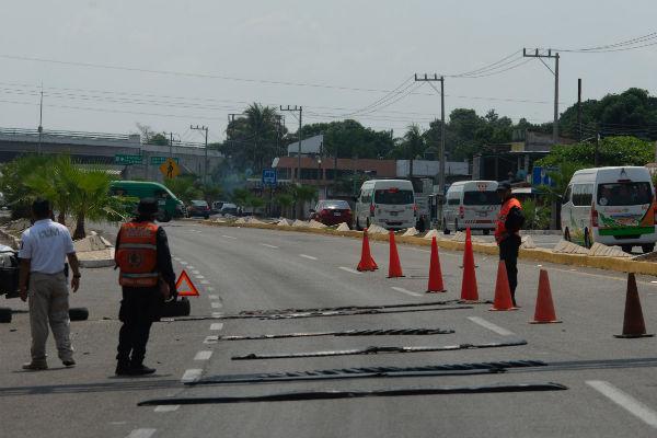 Los vehículos se impactaron de frente y mueren 4 personas. Foto Cuartoscuro