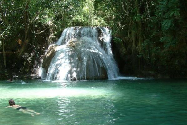 La temperatura fría del agua resulta un verdadero placer en este clima tan caluroso. Foto: Sectur