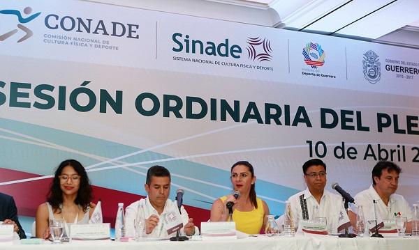 Durante la reunión del Sistema Nacional del Deporte que se realiza en Acapulco, Guerrero, Ana Guevara, titular de la Conade, firmó este convenio con Ricardo Salgado Perrilliat, Secretario Técnico de la SESNA. Foto: Especial