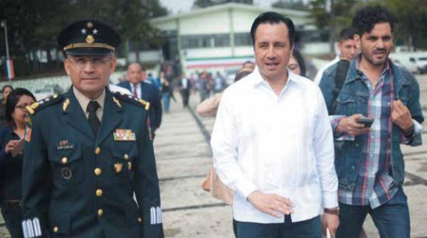 DISPUTA. Cuitláhuac García Jiménez criticó la labor del fiscal estatal Jorge Winckler. Foto: Cuartoscuro