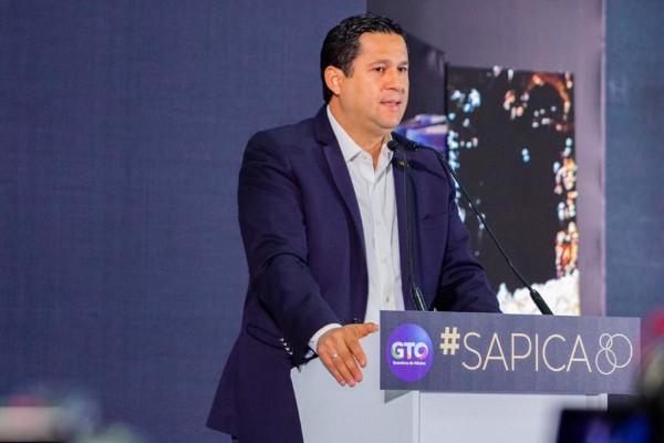 Diego Sinhue Vallejo Rodríguez sostuvo que la entidad tiene la capacidad inmobiliaria y logística para albergar la feria de talla internacional. Foto Notimex