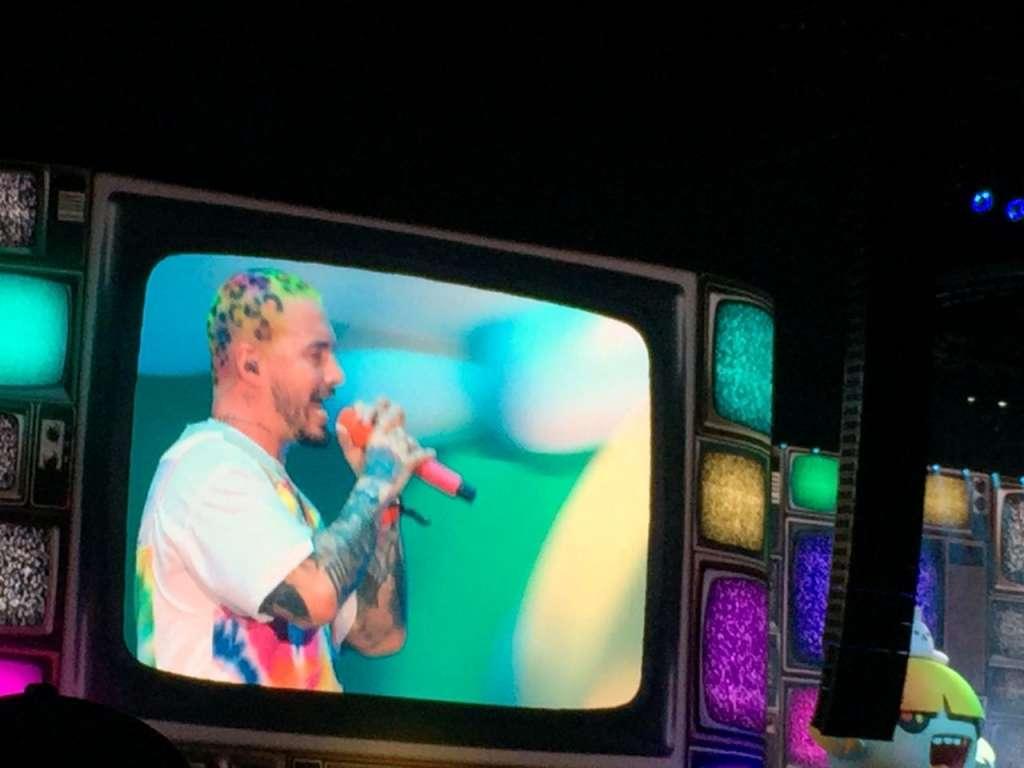 El intérprete hizo un homenaje a sus compañeros que se dedican a cantar reguetón como Daddy Yankee. Foto: Especial
