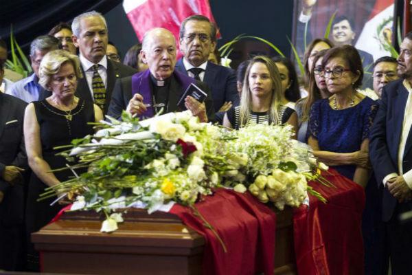 El expresidente peruano Alan García dejó una carta antes de suicidarse este miércoles, en la que afirmó que no tenía que sufrir