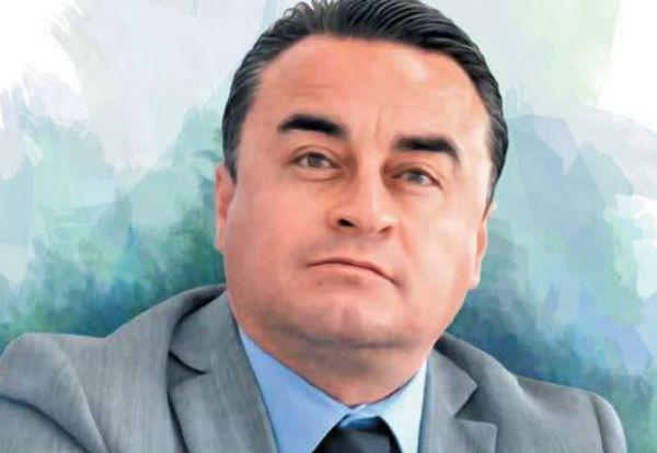 Carrillo Durán, conocido también como El Puma, inició conduciendo el automóvil de Reynoso Femat. Ilustración: Especial