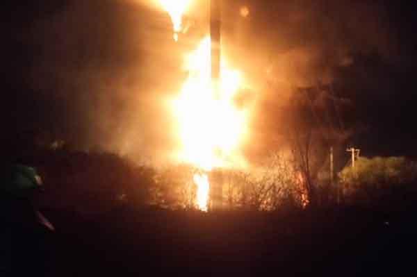 Seguridad Pública del municipio de León señaló que se mitigó por completo la flama en ducto de Pemex en la colonia Providencia.