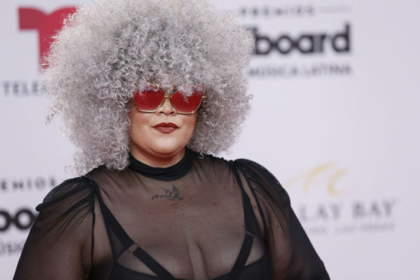 Mari Burelle mostró su enorme cabellera afro. Foto: AP