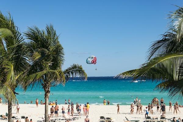 Las playas son los destinos favoritos de los vacacionistas durante Semana Santa. Foto: Pixabay
