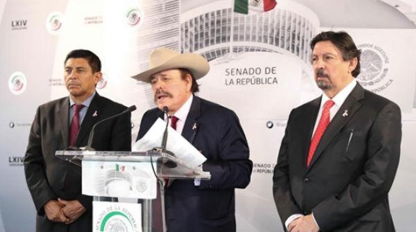 Armando Guadiana y Napoleón Gómez Urrutia son de los senadores morenistas que más polémica causan y menos trabajan. FOTO: ESPECIAL