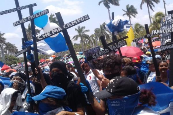 Decenas de personas salieron a protestar en contra de Daniel Ortega. Foto: Twitter