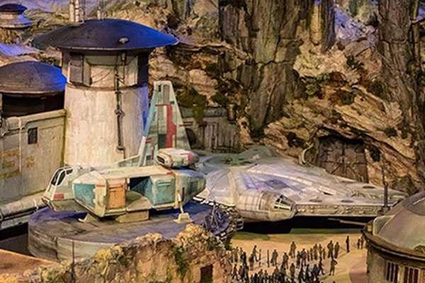 El parque abarcará casi seis hectáreas de Disneyland y representará el planeta Batuu, localizado en el borde exterior de la galaxia.