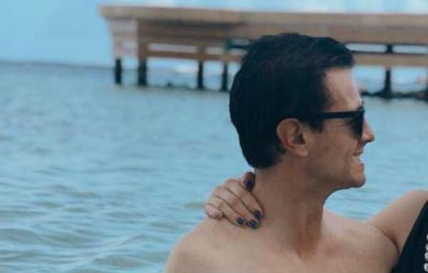 Publican fotos de Peña Nieto como nunca se le había visto en la playa; lo exhibe su hija Nicole
