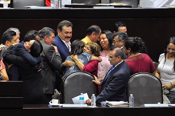 El coordinador de los diputados de Morena, Mario Delgado Carrillo, llamó a no desconfiar o descalificar la nueva reforma educativa, que calificó de vasconcelista. FOTO: NOTIMEX