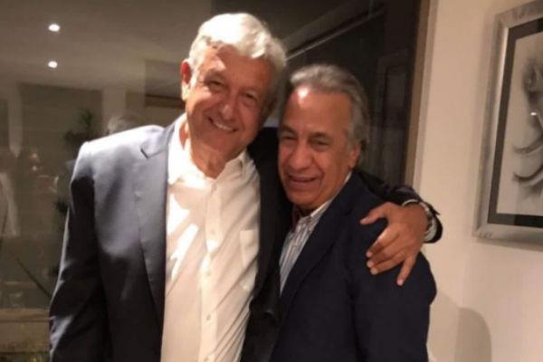 Andrés Manuel y Miguel Rincón en el Bautizo de su hija mercedes