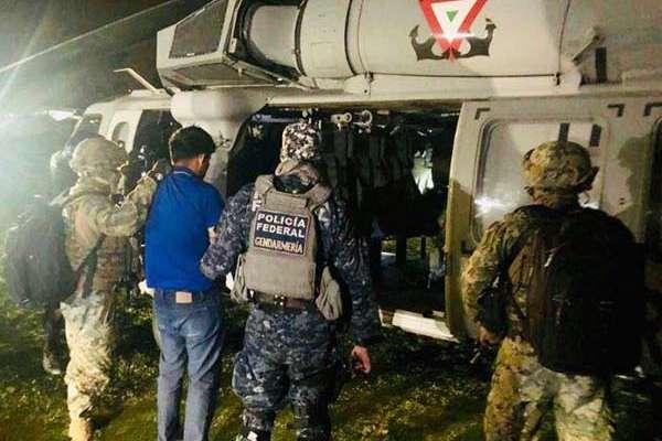 La localización y detención de este objetivo prioritario fue posible gracias a las labores de inteligencia de La Fiscalía General del Estado, las Fuerzas de Seguridad Pública del Estado y la Secretaría de Marina.
