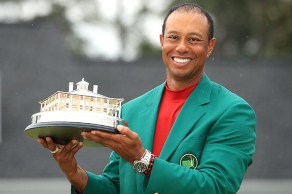 Por su victoria, Woods ganó un premio de 2 millones 70 mil dólares. Foto: Tiger Woods