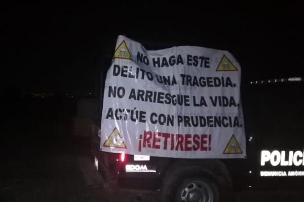 La Policía Estatal estableció un dispositivo de seguridad con personal de Pemex para clausurar la toma clandestina. Foto: Especial