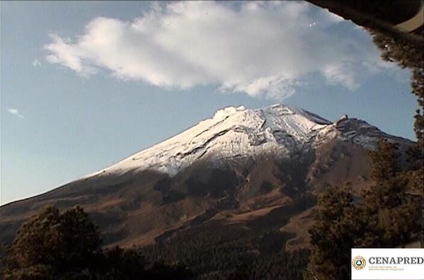 Volcán Popocatépetl exhalaciones