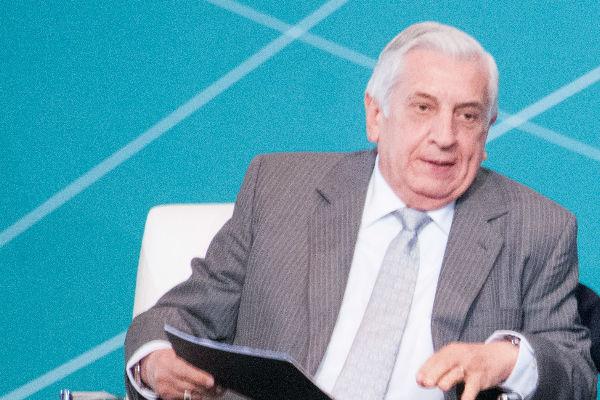 Según el gobernador Adán Augusto López Hernández, su antecesor, Arturo Núñez, gastó al menos 6 mil 500 millones de pesos fuera del ejercicio fiscal. Foto: Cuartoscuro