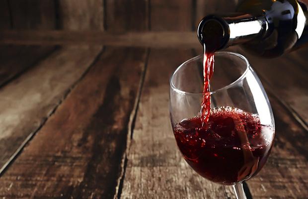 LÁGRIMAS. En la copa indican el nivel alcohólico. Foto: Especial