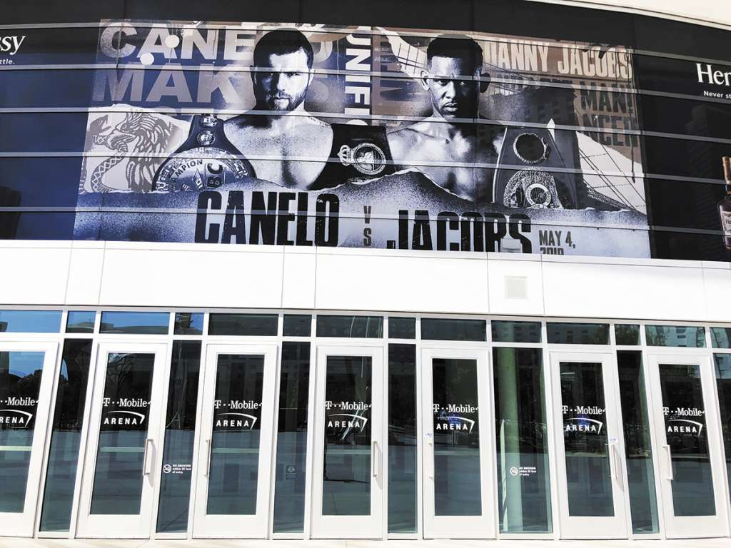 DETALLES. La T-Mobile Arena está lista para la pelea. Foto: Notimex