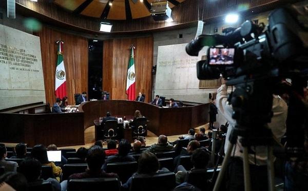 Morena cuestionó la legalidad de las resoluciones del INE, porque se emitieron fuera del plazo legalmente previsto. Foto: Especial