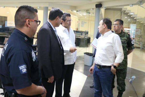 El traslado de la comitiva se suscitó tras una reunión de trabajo de la Mesa Estatal se Coordinación para la Construcción de la Paz