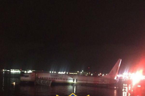 El avión viajaba con 142 personas entre pasajeros y tripulación