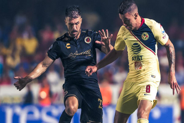"""El """"Cepillo"""", en un mal despeje defensivo, tomó el balón y asistió para el gol del chileno Nicolás Castillo que significó el 2-0 definitivo al minuto 74 Foto: Twitter Club América"""