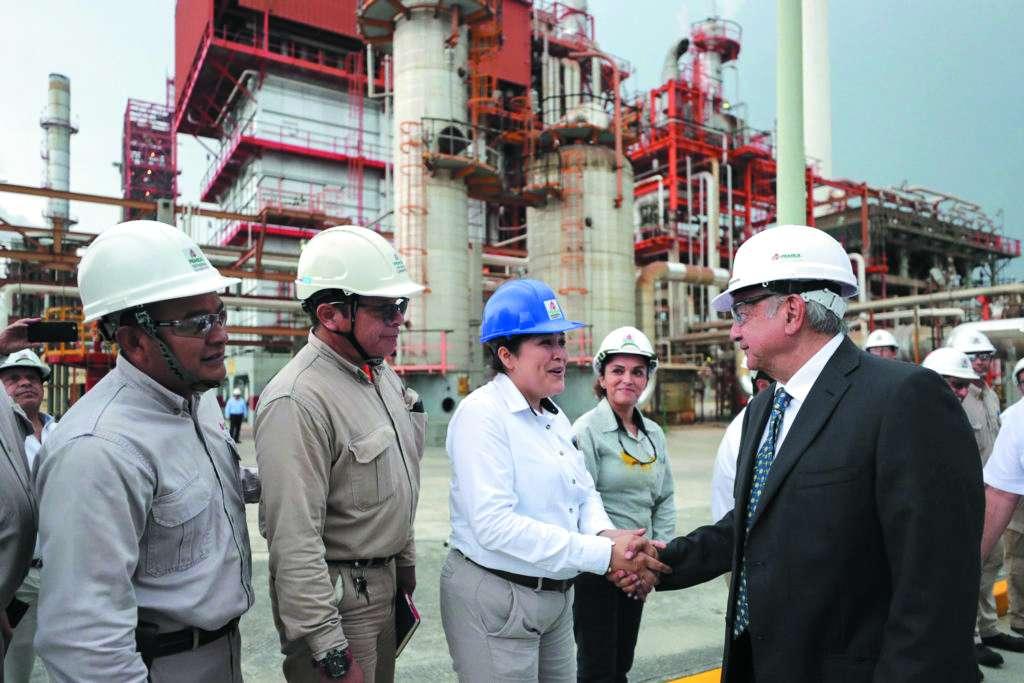 López Obrador visitó la refinería de Cadereyta, NL