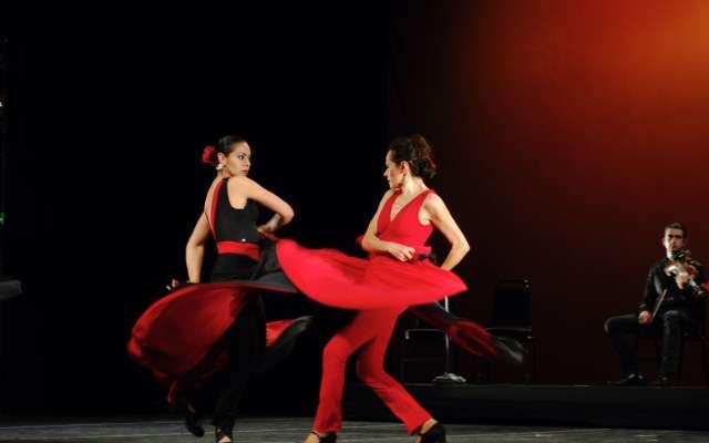 l FESTEJO. Se presentan hoy, a las 20:00 horas, en el Teatro de la Ciudad. Foto: Cortesía