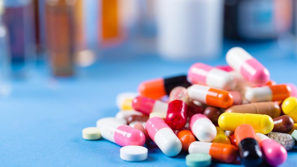 En su página de internet, la OMS expone que la lista de medicamentos precalificados no constituye un respaldo del organismo ni una garantía de idoneidad para el uso en un producto farmacéutico, ni eficacia para el tratamiento. Foto: Especial