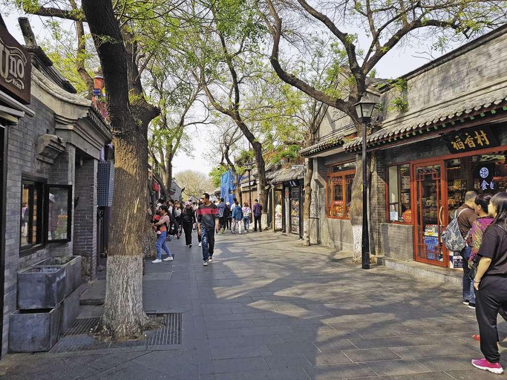 En el corredor en Naxiawazi venden souvenirs a los visitantes.FOTO: LIZETH GÓMEZ DE ANDA