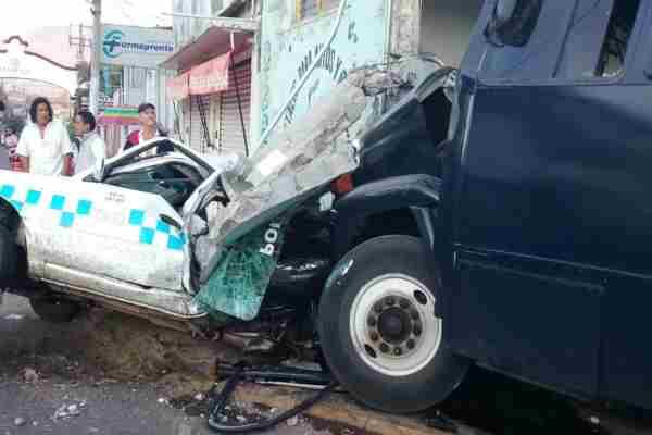 Una presunta falla en los frenos habría provocado el accidente. Foto: @vialhermes