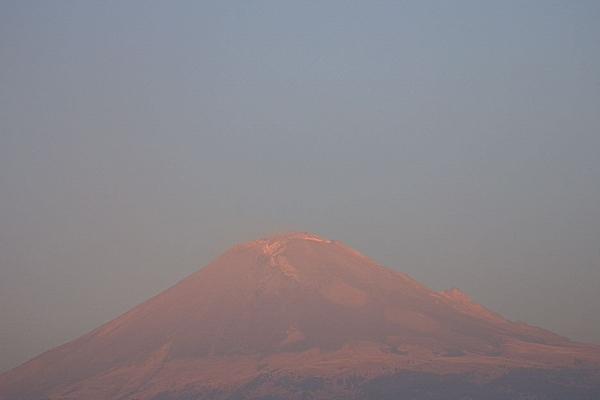 Hasta el momento el semáforo de la alerta volcánica se mantiene en Amarillo Fase 2. Foto: Cenapred