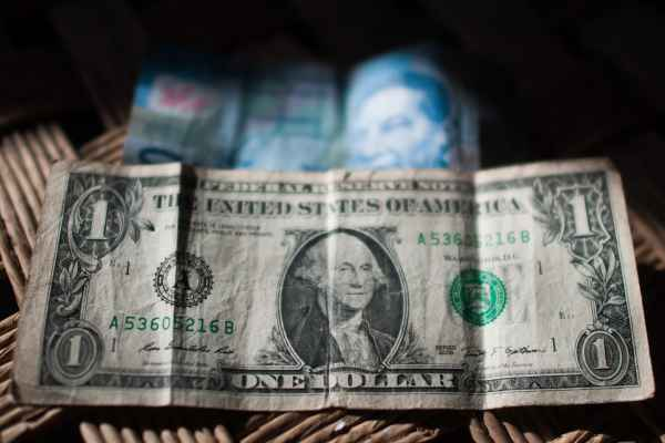 El dólar se adquiere en un precio mínimo de 17.95 pesos. Foto: Archivo | Cuartoscuro