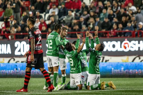 León tiene ventaja de tres goles de visitante por lo que en casa podría perder por los mimos tres goles y pese a ello avanzarían. FOTO: MEXSPORT